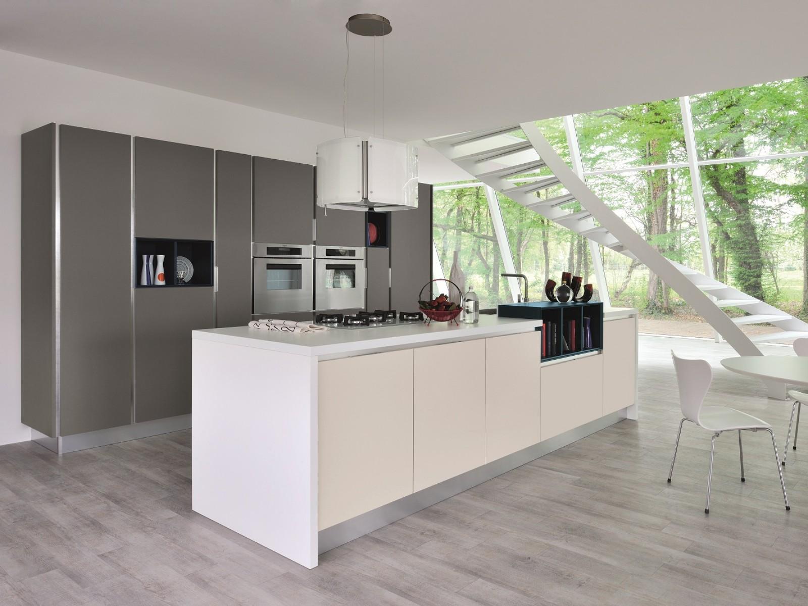 Proposte d 39 arredo cucine cucina essenza lube di cucine for Cucine low cost roma