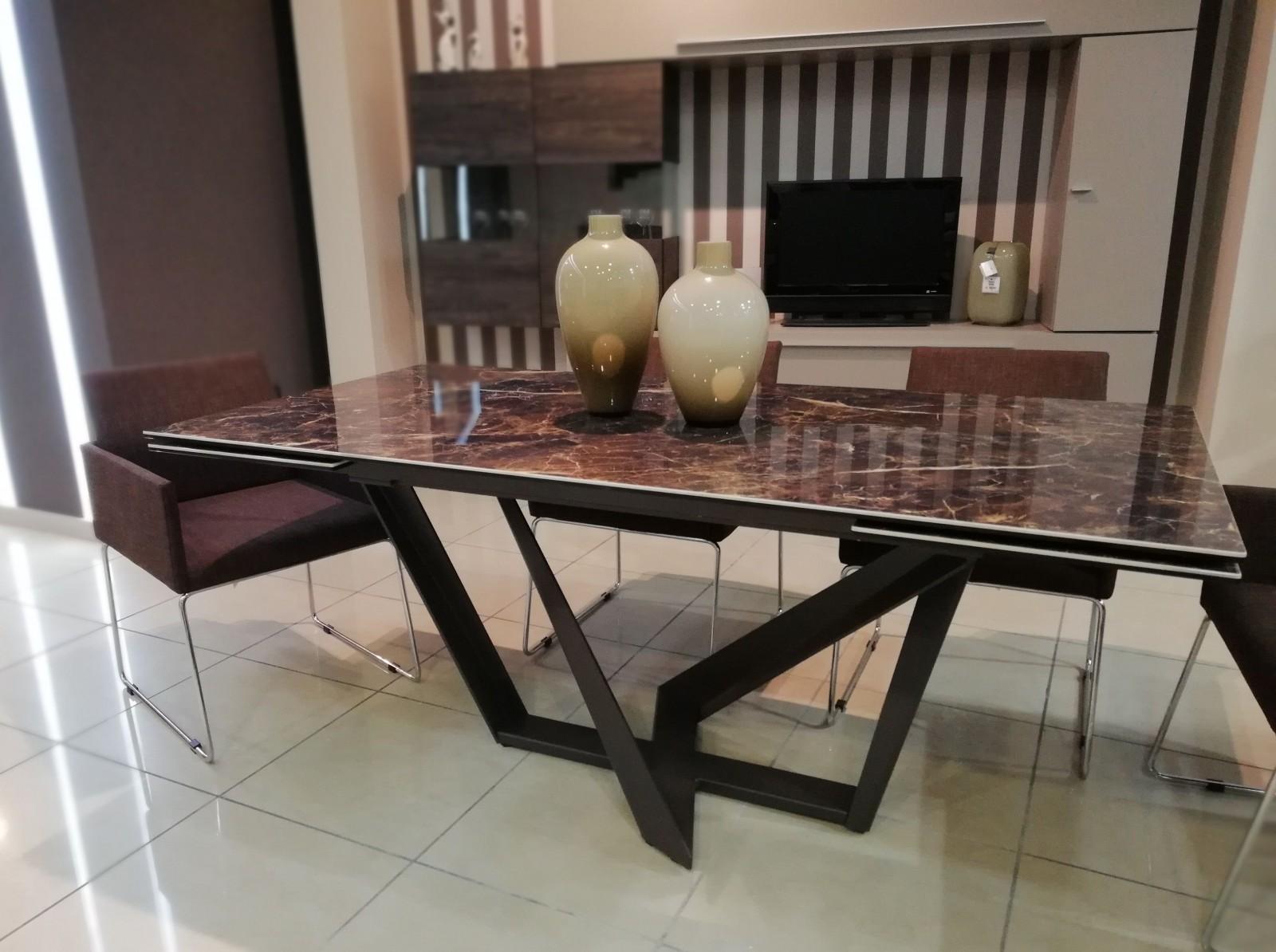 tavolo priamo